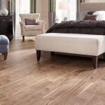 Residential_Laminate_SawmillHickory_Natural